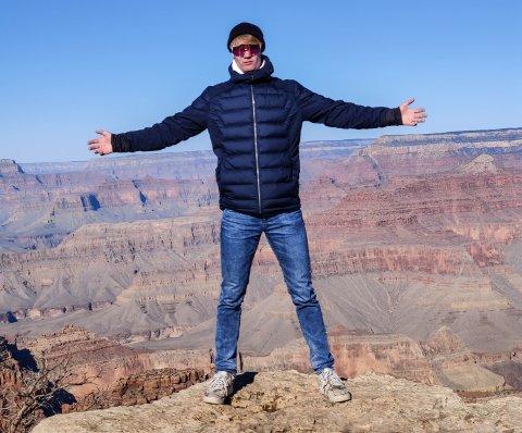 TRIVDES I HØYDEN: Nicolai Enstad Haraldseth benyttet andelingen til å besøke Grand Canyon da han først var i nærheten.