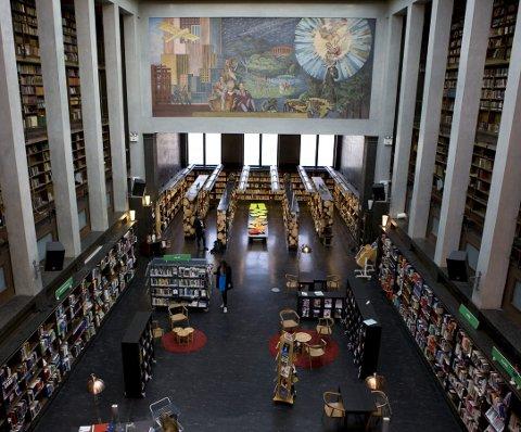 POPULÆR: Bibliotekene trekker folk. Foto: Scanpix