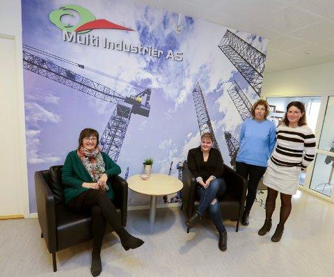 ADMINISTRASJONEN: På hovedkontoret i Aksdal er det 13 i administrasjonen. (f.v) Torill Haldorsen, Rebecca Simonsen, Gretha S. Pedersen og Christin Bukland er blant dem.