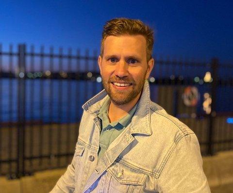 Øyvind Bjørnevik (33) frå Høylandsbygd har etablert seg i Stavanger med både sambuar og jobb, men han vil ikkje utelukka å flytta tilbake til Kvinnherad. (Foto: Privat)