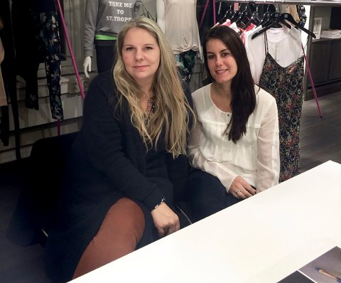 GA SEG: Fra venstre: Anette Hassel Solbakken og Christina Jensen, eiere og driver av CERA måtte gi opp butikken på Kongsberg.  I August hadde de sin siste åpningsdag.