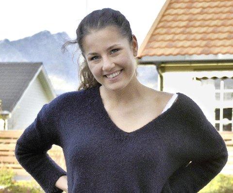 Veldig spennende: Marie Lindgaard Løvstad (18) synes det er veldig spennende at hun har blitt valgt som russepresident, og gleder seg veldig til russetiden 2017.            FOTO: Tonje Sandnes