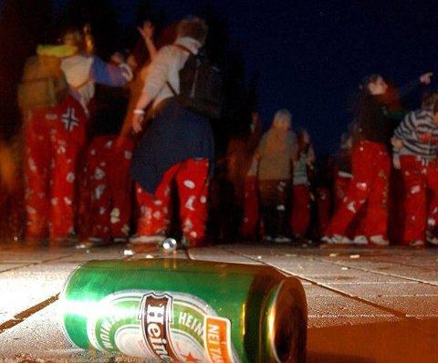 MANGE REAKSJONER: Flere personer har henvendt seg til ØP etter bråk og høy musikk fra russen på Thor Heyerdahl vgs. område denne uken. - Dette skal ikke gjenta seg, sier russepresidenten