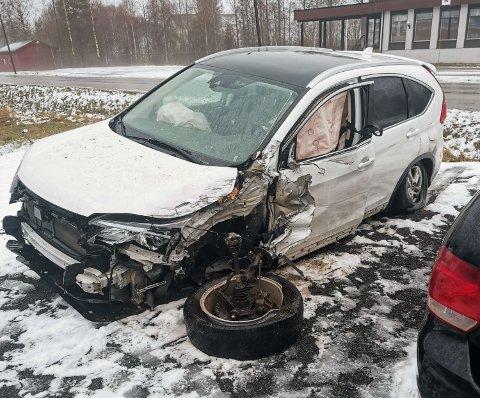VRAK: Bilen til lokalpolitiker Arild Borgelin Graven fikk store skader i utforkjøringen.