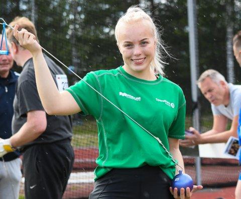 FØRSTE SENIORMEDALJE: Helle Henriksen Hvidsten fra Modum sikret seg bronse under NM i friidrett på Hamar.