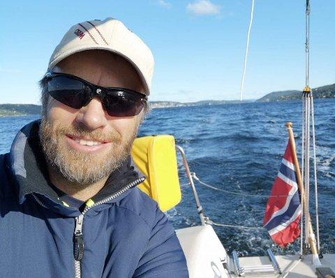 FORSVARER TITTEØ: Yngve Lønmo er Norges beste shorthanded-seiler ifølge fjorårest rankingliste. Lørdag går han for nok en seier.