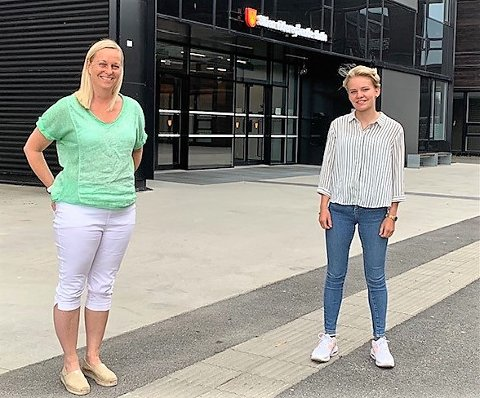 FIRE MILLIONER: Mette Kalve (til venstre)  og Constanse Borge er fornøyde med ekstra midler til ungdom.