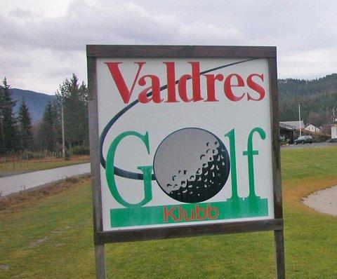 Valdres Golfklubb får etterbetalt 144.392 kroner i kompensasjon for vare- og tjenestemoms for regnskapsåret 2016.
