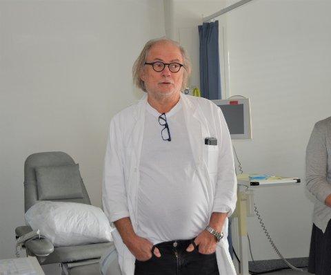 Er fortsatt smitte: - Det er fortsatt smitte i befolkningen, sjøl om det er lite. Folk bør derfor fortsatt følge anbefalingene, sier kommuneoverlege Per Einar Jahr.