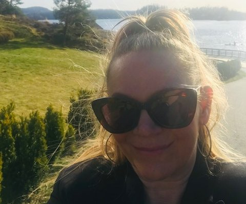 GOD ERFARING MED BRUKT: Tonje Bjørnson kjøper stort sett brukt selv, og synes det er fint å kunne selge videre det hun ikke selv har bruk for.