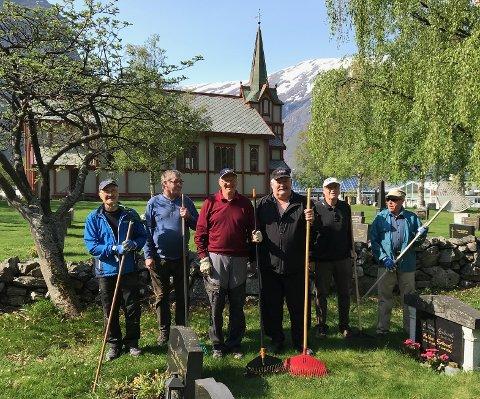 Fra venstre: Anders Lillebråten, Ivar Mellemseter, Erik Braaten, Jan Aarøen, Odd Flaa, Leif Aalmo