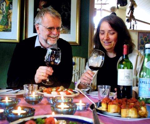 Kjenner italiensk vin: Ekteparet Klaus Hagerup og Bibbi Børresen har smakt på vin gjennom store deler av Italia og vil dele noen av sine kunnskaper på Litteraturhuset.