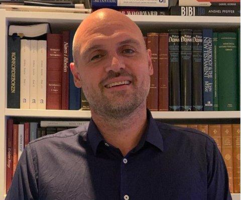 SPRINGSTEEN-FAN: Endre Fyllingsnes (46) er ny sogneprest i Fredrikstad Domkirke