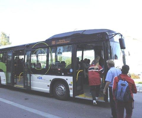 FORTSATT VEKST: Bybusstilbudet i Kongsvinger får stadig flere til å ta bussen. Over 90.000 passasjerer løste billett i årets seks første måneder. Nå blir det bybuss mellom Lia og Glåmlia/Sæter også på lørdager.