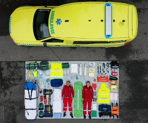 Ambulansen på Lillehammer tok utfordringen og viste fram alt som tilhører en ambulanse, gjennom #tetrischallenge.