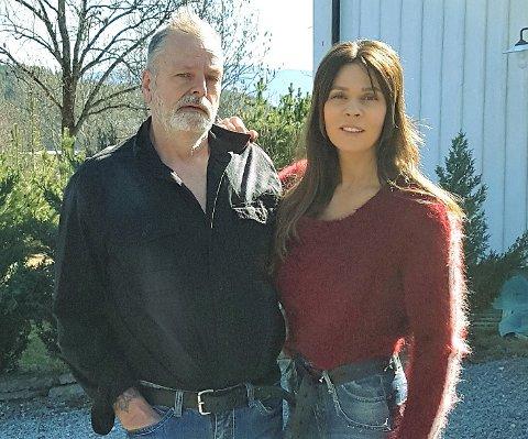 VENTETID: Samboerparet Eirik Jensen og Ragna Lise Vikre fra Ringerike venter nå på en avgjørelse etter runde tre i retten.