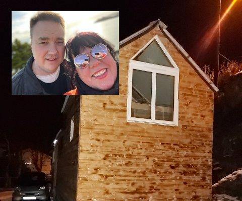 SELVBYGD: Eirik (45) og Laila Therese (40) vil se hva livet har å by på i et noe mindre hus enn hva de er vant til.