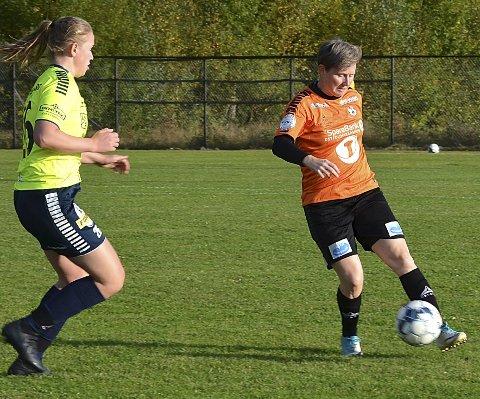 BLE SKADET: Nestor og tidligere toppspiller Anne-Birgitte Nesset (t.h.) styrte forsvarsspillet til Indre Østfold – inn til hun ble skadet og måtte forlate banen.