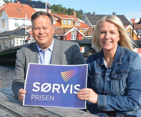 Trenger kandidater: - Kom med forslag til andre finalist i kampen om årets Sørvispris, oppfordrer Per Tore Jensen fra Sparebanken Sør og KVs Kristin Enge Minde.