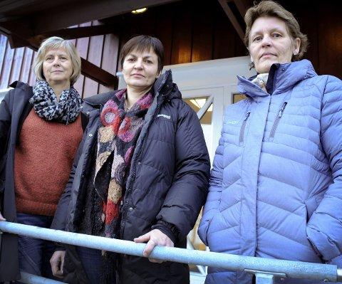 TENK KONSEKVENS: Anne Elisabeth Hjukse, Sigrid Vinjerui, Gerd Astrid Grøthe Blaasvær ber voksne om å tenke konsekvens før de skjenker seg i jula.