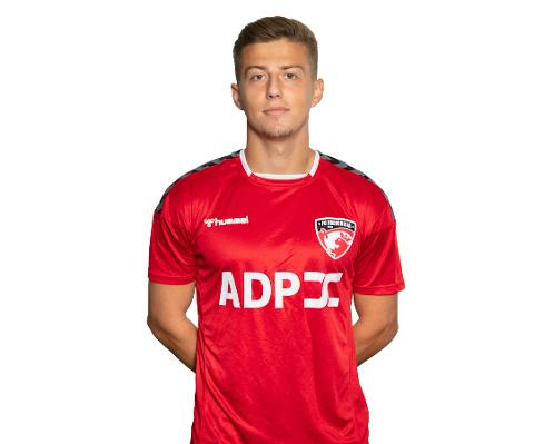 Agon Mucolli har signert en 3,5 års kontrakt med KBK.