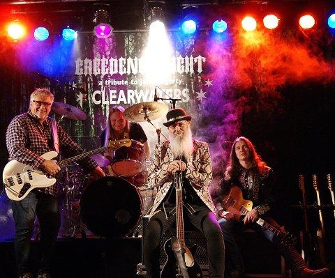 CREEDENCE NIGHT: f.v.: Dagfinn Ellefsen, bass - Gil Edwards, sang – Arild Moe, gitarer. Bak: Tor Gunnar Stokke, trommer.