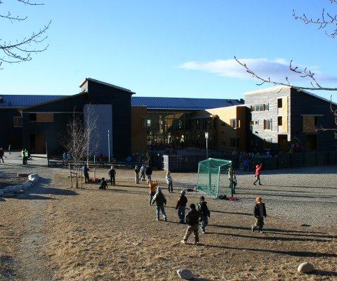 FAU på Røros skole ønsker en tydeligere plan for godt skolemiljø. Arkivfoto