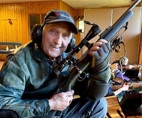 JEGER OG SKYTTER: Otto Skailand kan fortsatt håndtere et skytevåpen.