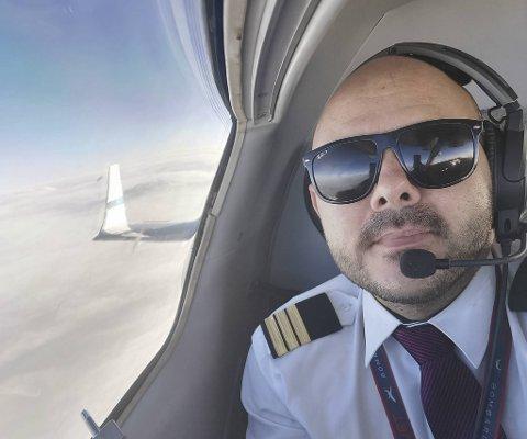 Christoffer Eliassens Brann-karriere som 19-åring. Nå lever han ut barndomsdrømmen som pilot.