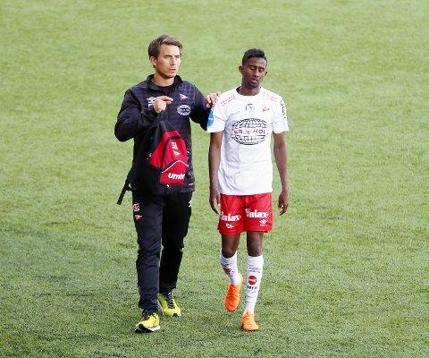 SKADET IGJEN: Anas Farah måtte tirsdag forlate Fredrikstad Stadion med skade.