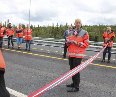 – RIKTIG VEG: Regionvegsjef Per Morten Lund på Lygna.