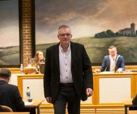 Høyre fikk en representant mindre enn Ap etter forrige valg, men endte opp uten makt. Vil Høyre fremstå som et tydeligere opposisjonsparti fremover - enn de har vist til nå?