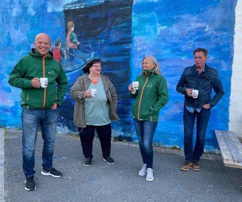 Partileder i Senterpartiet Trygve Slagsvold Vedum med Tone May Nordstrand, Anne Sand og Kåre Holand i Stamsund i slutten av juli, da Vedum og Senterpartiets nordlandskandidater var på hurtigruteturné.