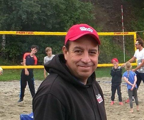 INSTRUKTØR: Gustavo Vega har vært instruktør på sandvolleyskolene i flere år.