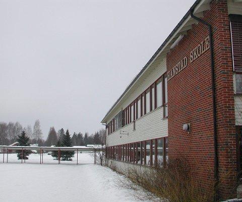REHANBILITERING: Vegsystem for å sikre trafikksikkerheten er også viktig for Hanstad skoles framtid, mener artikkelforfatterne.