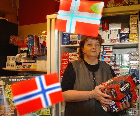 GIR SEG: – Det meste taler for at jeg snart selger mine aksjer og gir meg, sier Unni Henriksson i Bograngens  Lanthandel.