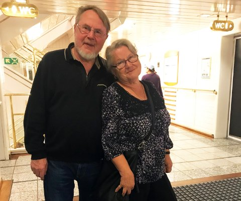 UNGE FORELDRE: – Vi ordnet oss sånn at vi måtte gifte oss, smiler jubilant Anders Skarataas med kona Turi i armene.