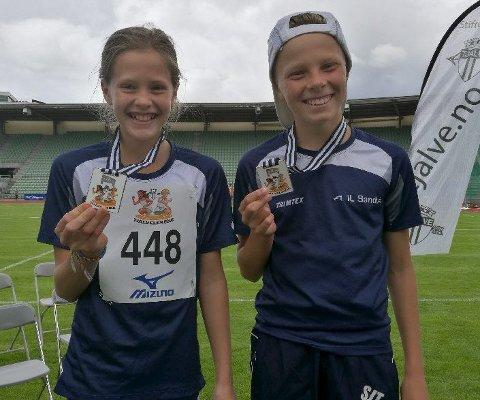 To og tre: Sølv- og bronsevinnere på 60 m hekk, Mina og Simen Johan. Alle foto: Tone Simensen