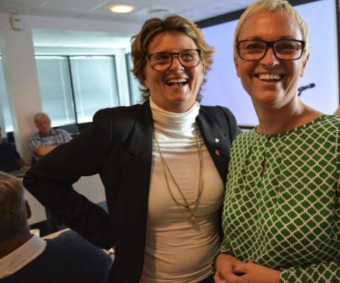 Enige: Både Anne Killingmo (FrP) og June Marcussen (V) har hatt barn og unge i tankene når regjeringens tiltakspakke skal fordeles. foto: marianne drivdal