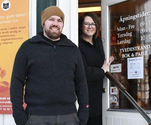 Janne Lindland og Erlend Myhren lager kafé der bokhandelen er i dag - ved siden av Terna.