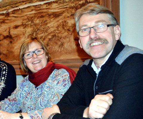 Tvangsekteskap: I følge Aftenposten vil regjeringen slå sammen kommunene til ordfører Inger Torun Klosbøle og Kåre Helland.