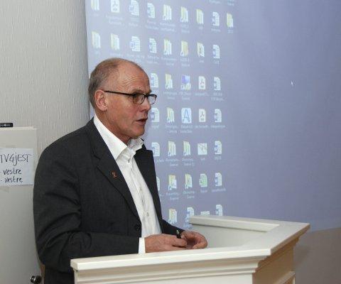 Nøgd ordførar: Eivind Brenna takka rådmannen og staben hans for oversiktleg budsjettdokument og godt arbeid både med økonomien og elles.