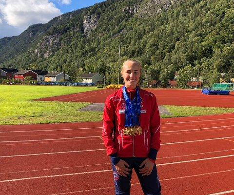 FJERDE BESTE NOENSINNE: Cassandra Ødegård Nilsens 29.06 på 200 m hekk er den fjerde beste tida noensinne i Norge i J15.