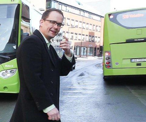 Svarer: Knut-Martin Løken er kommunikasjonssjef i Ruter.