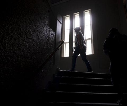 I 2009 hadde DNS besøk av et medium (en som har kontakt med døde), som hevdet at Sperati var til stede i trappeoppgangen. Foto: Emil Weatherhead Breistein