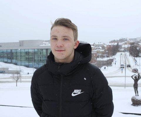 TOK SØLV: Mathias Næss fra Narvik Atletklubb tok sølvmedalje i Kolbotn Cup. foto: Martin Fredriksen