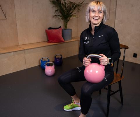 """RØRSLE: Nina Johanne Matre starta prosjektet """"Digital rørsle"""" under korona. No håpar ho det gir både mosjon og digital kunnskap til eldre."""