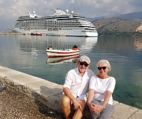 POPULÆRT: Daglig leder Johnny Bråthen og Senior Cruise Advisor Elisabeth M. Bråthen forteller at de har fått mange bestillinger på turer med cruiseskip det siste året.