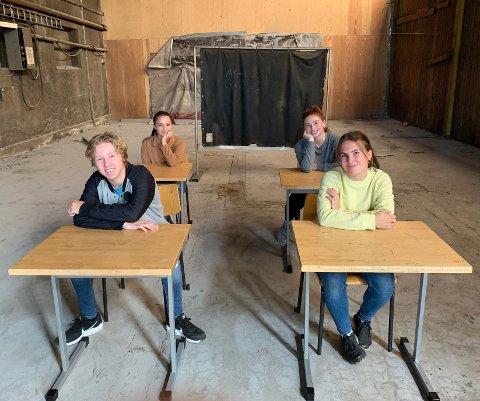 DYKTIGE DANSERE: Ola Pedersen, Tuva Eidstad Pedersen, Tilde Sandmæl og Silje Larsen Otterdal fra Studio Nille.