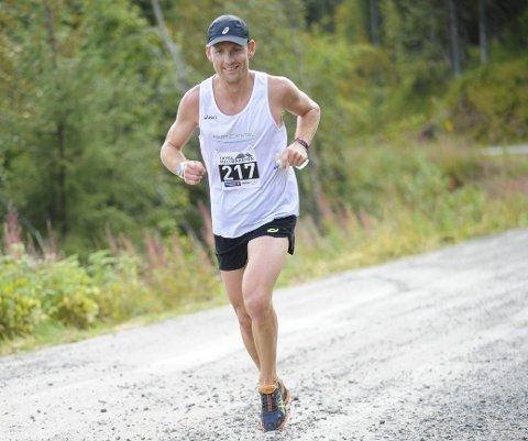 UTENFOR PALLEN: I et sterkt startfelt var Didrik Hermansen nære å slå seg inn på pallen i Hong Kong ultra over 100 kilometer.